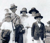 Edward and Easter Streeter, Reuben and sister Florence, and younger brother William. Also Clarice Speechley.
