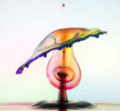Photograph of a drop of water by Markus Reugels